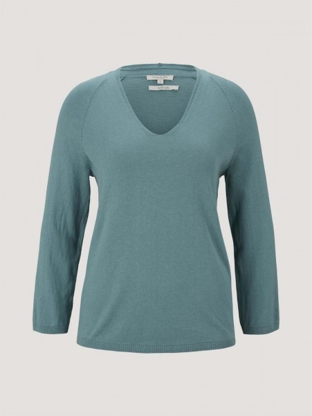 Knitted v-neck shirt